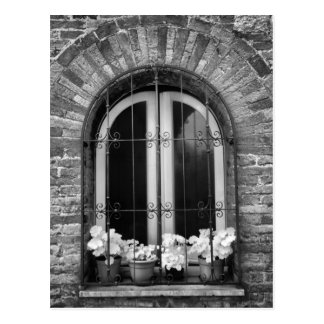 Schwarze u. weiße Ansicht der Fenster- und Postkarte