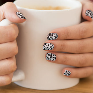 Schwarze u. weiße flippige Klecks-u. Minx Nagelkunst