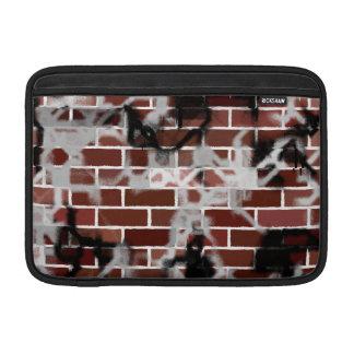 Schwarze u. weiße Schmutz-Graffiti enträtselte Bac MacBook Sleeve
