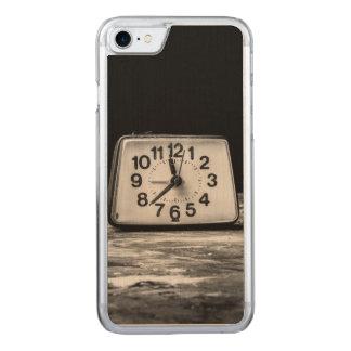 Schwarze Uhr Carved iPhone 8/7 Hülle