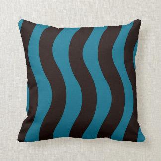 Schwarze und blaue gewellte Streifen Kissen