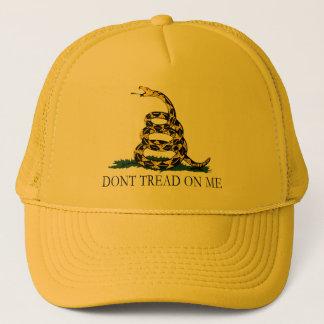 Schwarze und gelbe Gadsden-Flagge, treten nicht Truckerkappe