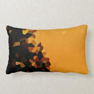 Schwarze und orange Pixel-Form abstrakt Lendenkissen