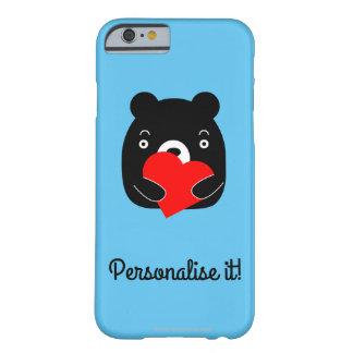 Schwarzer Bär, der ein Herz hält Barely There iPhone 6 Hülle