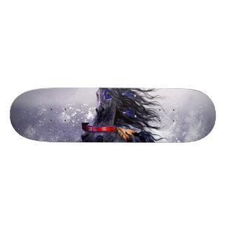 Schwarzer blauer majestätischer skateboard brett