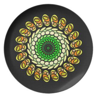 Schwarzer grüner orange geometrischer melaminteller