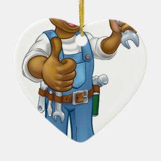 Schwarzer Klempner-Mechaniker oder Heimwerker Keramik Ornament