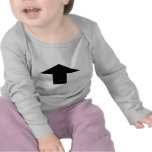 schwarzer Pfeil oben Hemden