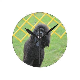 Schwarzer Pudel Wanduhr