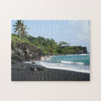 Schwarzer Sandstrand auf Puzzlen Hawaiis Puzzle