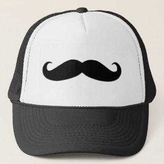 Schwarzer Schnurrbart oder schwarzer Schnurrbart Truckerkappe
