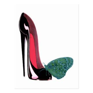 Schwarzer Stilett-Absatz-Schuh und grüner Schmette Postkarte