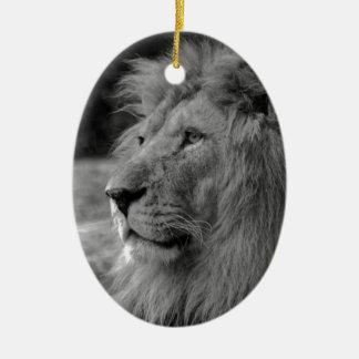 Schwarzer u. weißer Löwe - wildes Tier Ovales Keramik Ornament