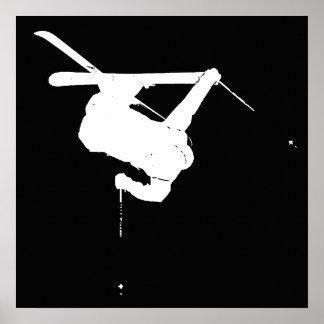 Schwarzer u. weißer Skifahrer Poster