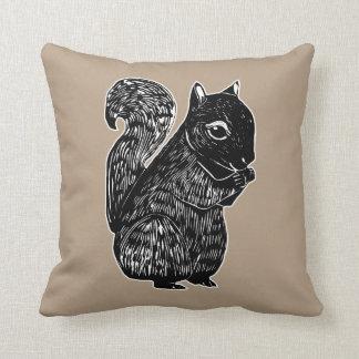 Schwarzes Eichhörnchen-weiches Eichen-Kissen Kissen