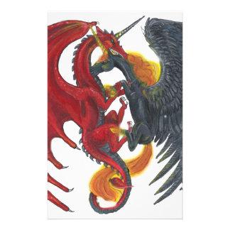 Schwarzes Feuer-Einhorn und roter Drache Briefpapier