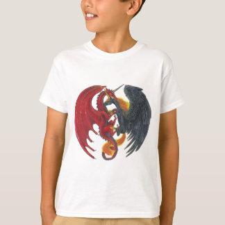 Schwarzes Feuer-Einhorn und roter Drache T-Shirt