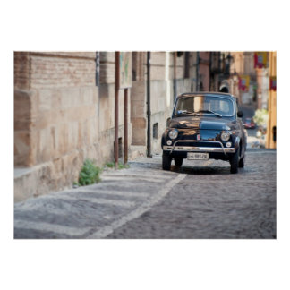 Schwarzes Fiat 500, Cinquecento, in Italien Poster