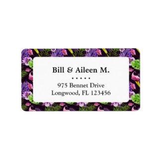 Schwarzes lila tropisches Flora Watercolormuster Adressaufkleber