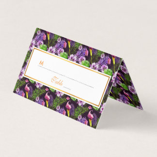 Schwarzes lila tropisches Flora Watercolormuster Platzkarte