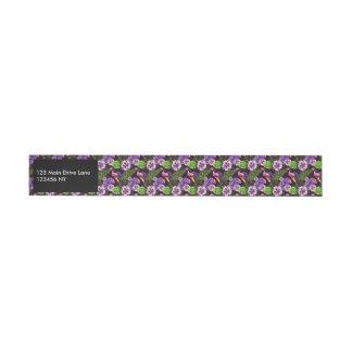Schwarzes lila tropisches Flora Watercolormuster Rundum-Adressaufkleber