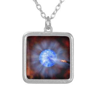 Schwarzes Loch M33 im Raum Versilberte Kette