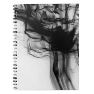 Schwarzes Notizbuch des Feuer-II durch Künstler Notizblock