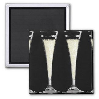 Schwarzes Sektkelch-Glas mit Blasen-Entwurf Quadratischer Magnet