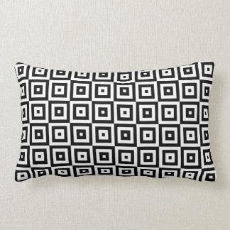 Schwarzes u. weißes geometrisches quadratisches lendenkissen