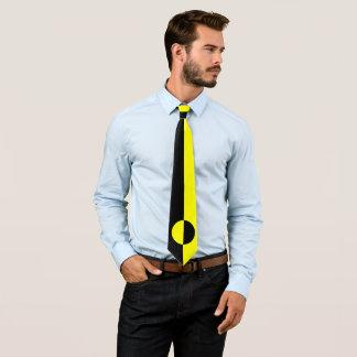 Schwarzes und gelbes Plätzchen Krawatte