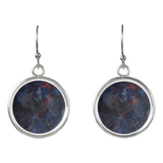 Schwarzweiss auf blauem und rotem Hintergrund Ohrringe