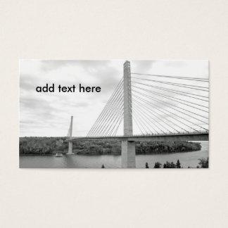 Schwarzweiss-Bild eines Kabels blieb Brücke Visitenkarte