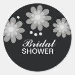 Schwarzweiss-Blumen-Brautparty bevorzugt Siegel Runder Aufkleber