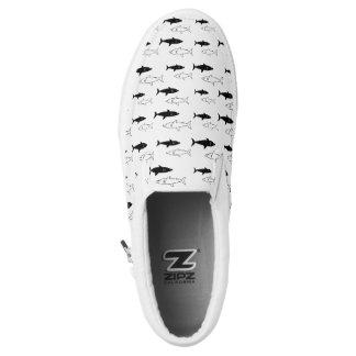 Schwarzweiss-Haifisch-Beleg an Slip-On Sneaker