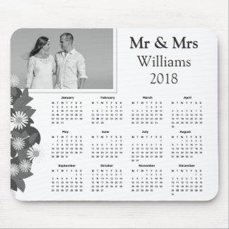 Schwarzweiss-Kalender 2018 des Paar-Foto-| Mousepad