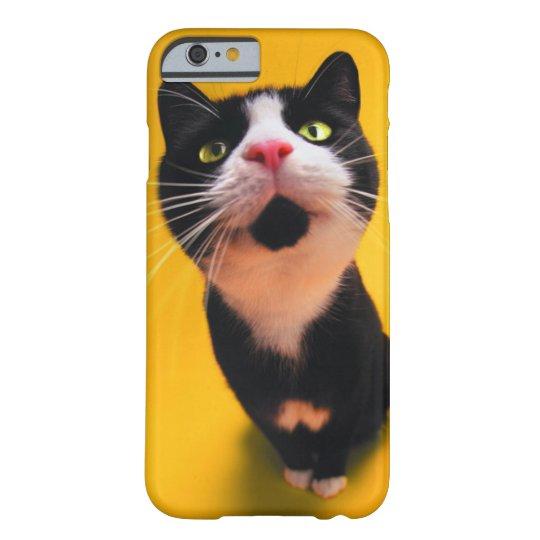 Schwarzweiss-KatzeSmoking Katzehaustier Barely There iPhone 6 Hülle