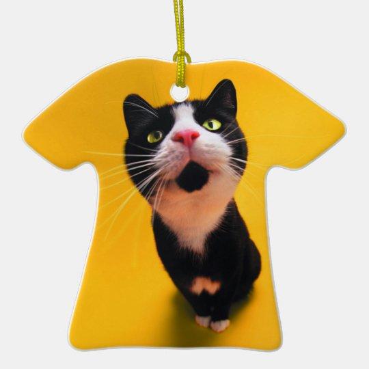 Schwarzweiss-KatzeSmoking Katzehaustier Keramik T-Shirt-Ornament