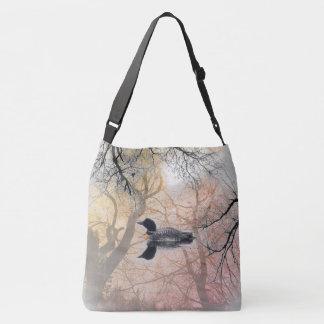 Schwarzweiss-Loon auf einer See Kreuz-Tasche Tragetaschen Mit Langen Trägern