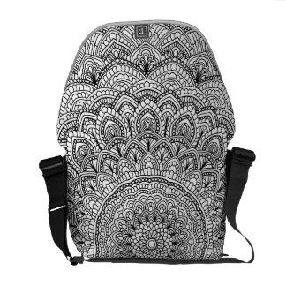 Schwarzweiss-Mandala Kurier Tasche