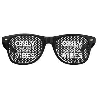 Schwarzweiss-nur gute Schwingungen Sonnenbrille