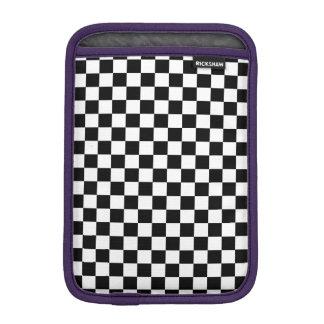 Schwarzweiss-Schachbrett iPad Mini Sleeve