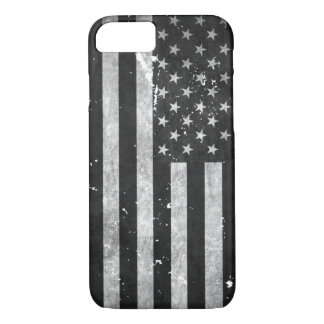 Schwarzweiss-Schmutz-amerikanische Flagge iPhone 8/7 Hülle
