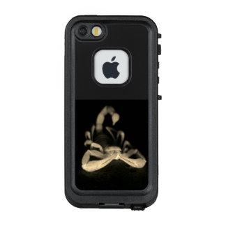 SCHWARZWEISS-SKORPION LifeProof FRÄ' iPhone SE/5/5s HÜLLE