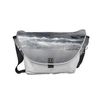 Schwarzweiss-Strand-kleine Bote-Tasche Kurier Taschen
