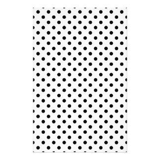 Schwarzweiss-Tupfen-Muster Flyer