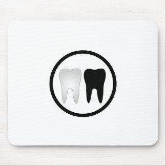 Schwarzweiss-Zahn Mauspad