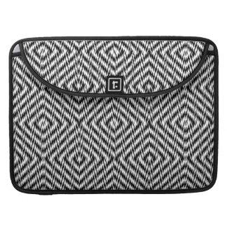 Schwarzweiss-Zickzack MacBook Pro Sleeve