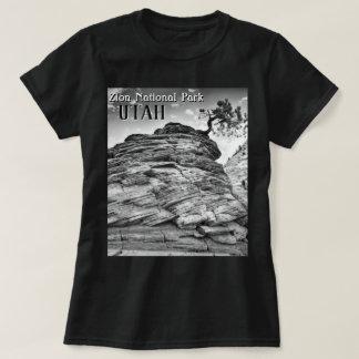 Schwarzweiss-Zion Bonsais-Baum-LandschaftsFoto T-Shirt