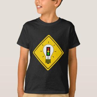 Schwermütiger Stoplight gekippte grüne Glühlampe T-Shirt