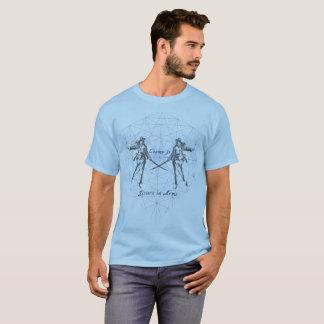 Schwestern in den Armen T-Shirt